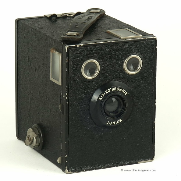 Six 20 Brownie Junior (Kodak) - 1934(UK)(APP2802)