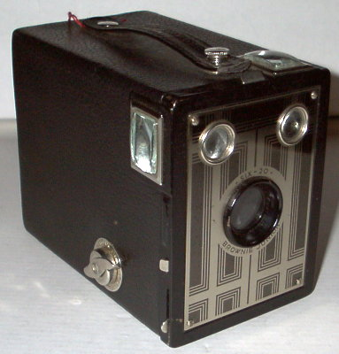 Six-20 Brownie Junior (Kodak) - 1934(US)(APP0156)